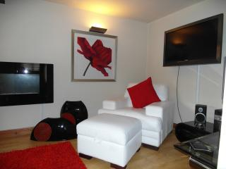 New Sony 40' LCD TV and Italian leather settees