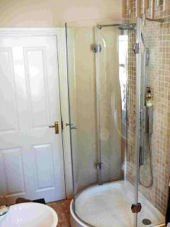 Hydro-Massage Shower in Moonlight Apartment, Durham