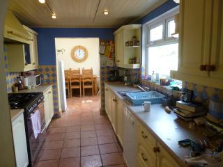 Cavehill Family Home sleeps 6, centre 12 minutes, close to all amennities
