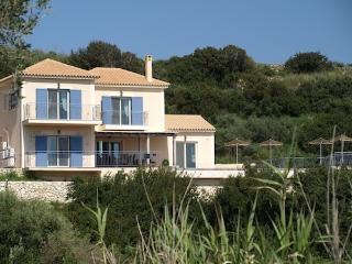 Villa Louloudia