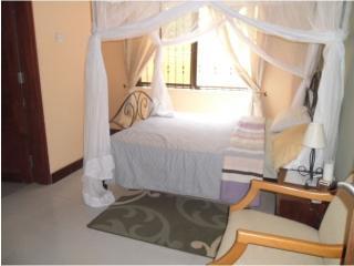 Ensuite Bedroom with Queen size bed