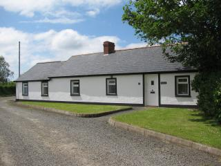 CLONMOOR----a country cottage. with its own garden, Antrim