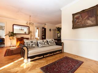 2 bedroom apartment fireplace, Budapeste