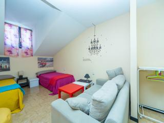 Place&Price: Charming, heart of Madrid SOL area, 70 m2, 2 rooms, XBOX