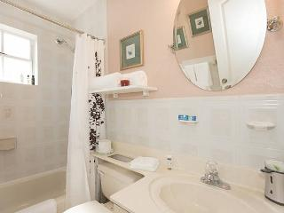 Private Apartment in Great location, Olympia Heights