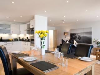 2 Bed Penthouse Apartment