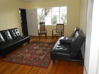 COZY, 4 beds-Halfway btwn Hollywood & Downtown LA, Los Angeles