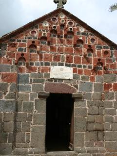 Tiny church in Bonarcado that was a roman thermal bath, cult crossing?