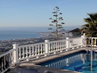 Casa Gardo, Sayalonga, 2 or 4 bedroom villa  in the beautiful Andalucian Hills.