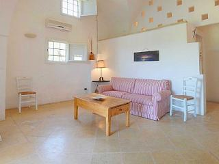 Santa Maria al Bagno Villa Sleeps 4 with Pool Air Con and WiFi - 5229677