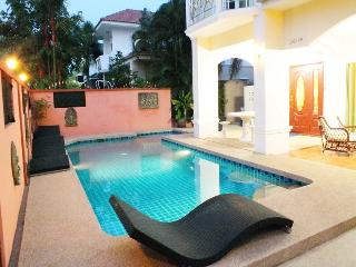 4 Bedroom Villa Jomtien 98 Walking Street 10 Minutes Ride Away, Jomtien Beach
