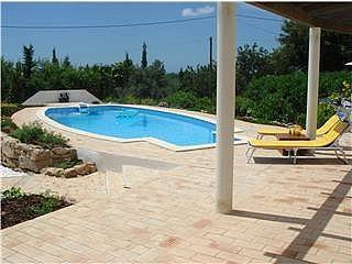 Large Pool and Sunbathing Areas