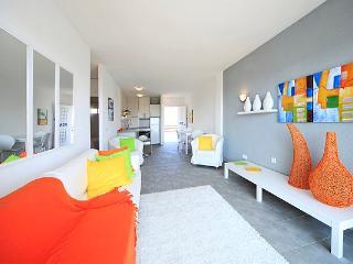 Sunny apartment with sea views in Port Alcudia, Port d'Alcudia