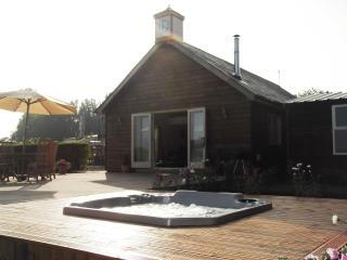 Cottage, Forest of Bowland, with private hot tub, Preston