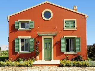 Villa Piterri - 2 bedrooms with private pool & Wi-Fi !!!