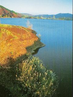 Lake salagou 1