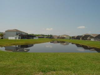 SunsetLake Villa with WiFi, Gameroom, and Hot Tub, Kissimmee