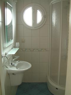 1 of the 3 individual en-suite bathrooms - Bedroom 3. Seaside Residence