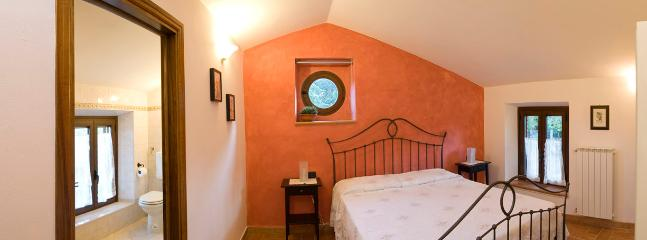 Sasso Giallo Bedroom