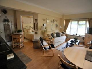 CROFTY TOWERS SELF CATERING ACCOMODATION   HANBURY WORCESTERSHIRE