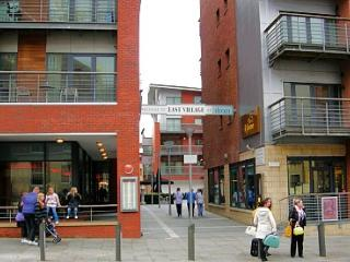 Liverpool City Centre Holiday Apartment