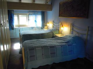 VILLA MERY GUEST HOUSE Camera Iris, Casale Monferrato