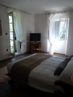 Bedroom Bougainvillea