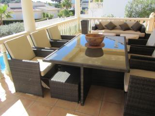 outside dining with quality furniture seat 10 plus chill out sofas