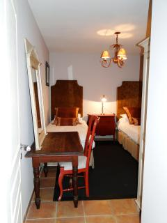 Twin Room ( Bedroom 3)
