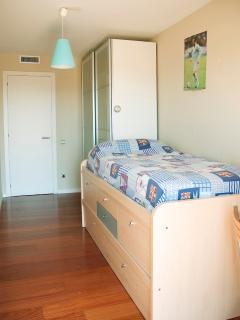 Room 2 (double single)