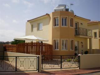 Villa Azur, Protaras