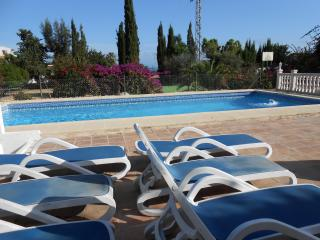 ALTEA.ALICANTE HOLIDAY VILLA.+ ANNEXE SLEEPS UP TO 10 PEOPLE..POOL.BADMINTON CRT