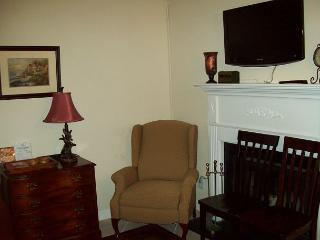 Oak Square, One Bedroom Condo in the Heart of Gatlinburg (Unit 307)