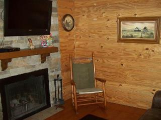 One Bedroom Condo in the Heart of Gatlinburg (Unit 314)