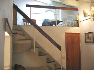 the intermediate floor (lounge)