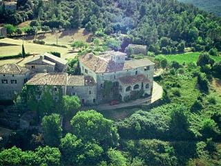 Chateau de Mazelle, Banne
