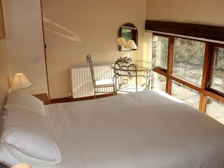 Luxury, comfort and fabulous views from your kingsize bed