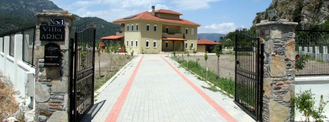 Front View of  Villa Arici