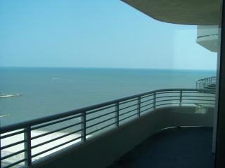 Affordable Luxury Biloxi Beach OCEAN CLUB by Casino