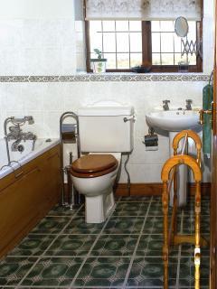 Mounts View family bathroom.