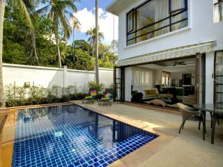 3-bedrm Contemporary Pool Villa at Beach Resort, Mae Nam