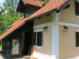Gradenc Country Estate - Lipa Cottage, Dolenjske Toplice