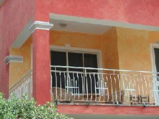 Sardinia's House(12 persons).Next two different beaches.Air conditioner all room