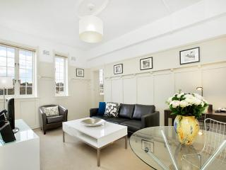 Superbly finished executive rental, Sydney