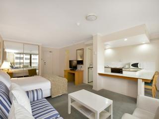 Spacious Studio With Balcony, Sydney