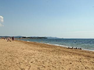 The sandy beach of Les Salins, just setps away, safe and great for kids.