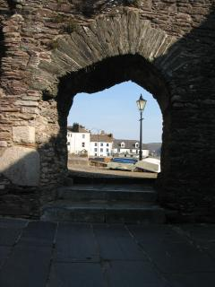 There is an artillery fort beside the quay, Bayard's Fort, built in 1534 to defend the harbour