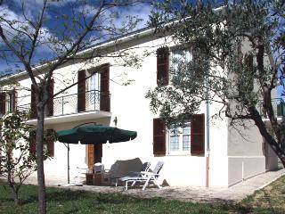 Casa Collina, Vacri