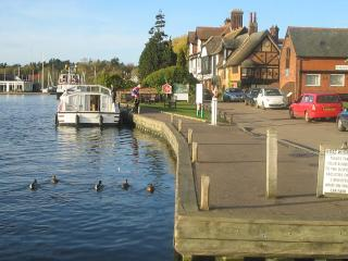 1 min  Wroxham, sleeps up to 3 private southerly garden