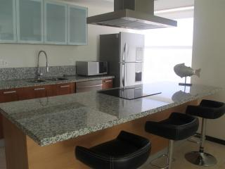 Breakfast bar seating at kitchen island